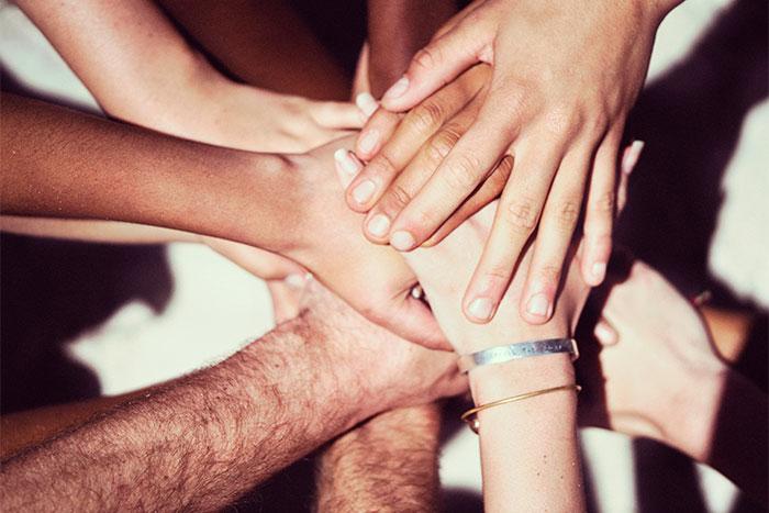Oft gehen mit chronischen Erkrankungen, wie z.B. Hämophilie A, Vorurteile einher. Eine gute Strategie kann Dir dabei helfen, diese zu entkräften.