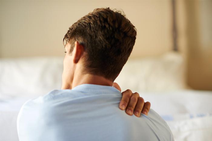 Mann hämophiler Arthropathie