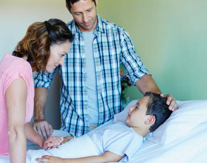 Mama und Papa machen sich Sorgen um ihren Sohn